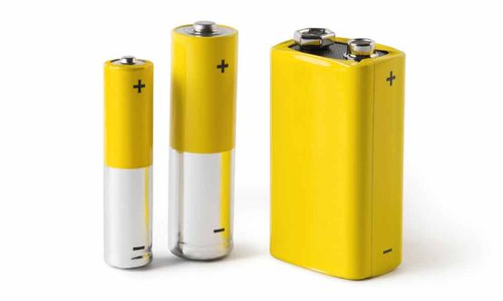 batteries AAA AA C D